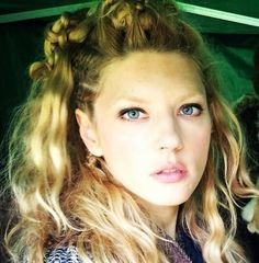 I love Katheryn Winnick in Vikings! She is gorgeous!