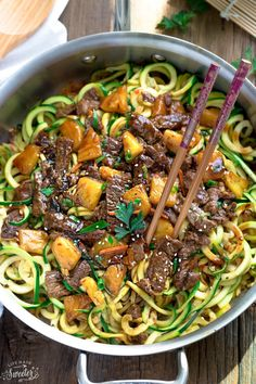 One Pan Mongolian Beef Zoodles - the perfect easy low carb weeknight meal! Best of all, only 30 minutes to make so you can skip the takeout! Zucchini Noodle Recipes, Zoodle Recipes, Spiralizer Recipes, Zucchini Noodles, Pasta Noodles, Veggie Noodles, Asian Recipes, Beef Recipes, Chicken Recipes
