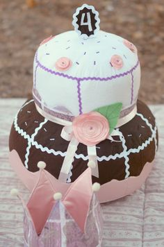 #patchwork #cake and #crown