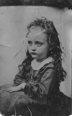 creepy child photography | Photos of Victorian children always give me the creeps. It might be ...