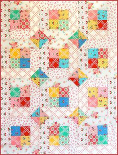 What an adorable patchwork baby quilt pattern! Patch Quilt, Rag Quilt, Scrappy Quilts, Easy Quilts, Mini Quilts, Quilt Blocks, Quilting Tutorials, Quilting Projects, Quilting Designs