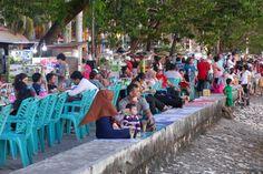 Makassar, Losari Beach, Volksfeststimmung jeden Abend