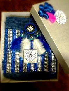Regalos , mochila en swarovky azul y tache plata