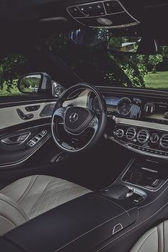 Clean Mercedes interior.