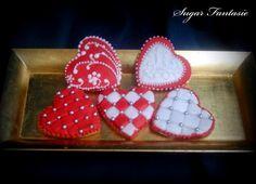 Sugar Fantasie -Torták és cukorvirágok: Szerelmes mézeskalácsszívek