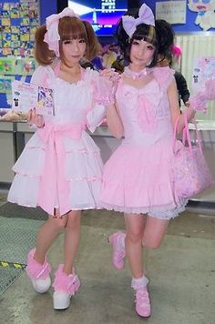 Rinrin & another Sweet Lolita - even though the dresses are a little shorter than usual, I think it looks cute and playful!