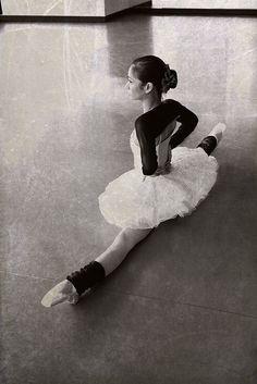 Christine Rocas - Joffrey Ballet by Gina Uhlmann