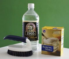 Remove sink stains with this natural cleaning solution!
