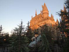 ⭐️ Harry Potter à Universal Studios d'Hollywood ! Sur Goodie Mood, le blog Feel Good d'une française expatriée à Los Angeles. #universalstudios #hollywood #californie #expat #LosAngeles #Attraction #Parc #HarryPotter Universal Studios, Attraction, Hollywood, Monument Valley, Harry Potter, Images, Mood, Nature, Travel