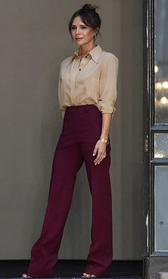Mode Victoria Beckham, Victoria Beckham Outfits, Style Casual, Feminine Style, Casual Chic, Summer Outfits, Casual Outfits, Work Outfits, Office Looks