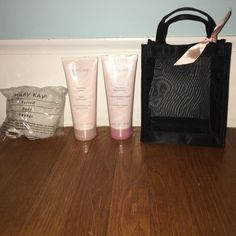 Mary Kay 2-In-1 Body Wash&Shave and Lotion set Mary Kay 2-In-1 Body Wash&Shave and Lotion set, brand new Mary Kay Makeup