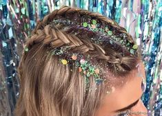 Cool Hairstyles For Girls, Cool Braid Hairstyles, Glitter Carnaval, Carnival Hairstyles, Curly Hair Styles, Natural Hair Styles, Festival Hair, Cool Braids, Glitter Hair