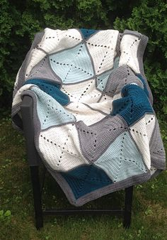Gris et Teal Basic grand-mère Square Patchwork par DapperCatDesigns