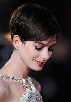 20 Best Anne Hathaway Pixie Cuts | http://www.short-haircut.com/20-best-anne-hathaway-pixie-cuts.html