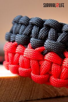 A great survivalist knows how valuable a paracord bracelet can be in a survival situation. This double-wide cobra bracelet allows you to carry multiple feet of paracord around your wrist at all times. Check out the tutorial below to learn how to make your own! #doublewidecobra #paracordbracelet #paracord #survivalskill #survival #preparedness #survivallife Paracord Bracelet Survival, Paracord Belt, Paracord Knife, Paracord Bracelets, Survival Life, Survival Skills, Paracord Weaves, Make Your Own, Make It Yourself