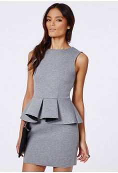 Peplum is one of our favourite styles here at Missguided and this gorgeous granite bodycon dress is a beaut.  With super soft fabric, rounded neck and folded peplum feature at the waist this dress has a mega flattering structure. Team with ...