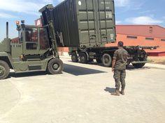 Aproximación de carga al camión en la BRIPAC con carretilla frontal con más de 10000kg de capacidad de carga