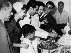 يوسف شاهين وزوجته مع فاتن حمامة وعمر الشريف