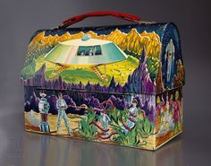 LOST IN SPACE vintage dome metal Lunch Box