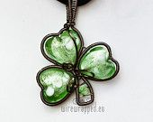 Necklace-for St Patrick's day, or whenever a little luck wouldn't hurt ;).