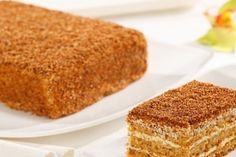 Prăjitură bulgărească cu mere și griș - cu siguranță încă nu ai preparat niciodată un astfel de desert, pentru care nici de aluat nu vei avea nevoie! - Bucatarul Romanian Food, Cornbread, Vanilla Cake, Bacon, Food And Drink, Ethnic Recipes, Desserts, Pies, Millet Bread