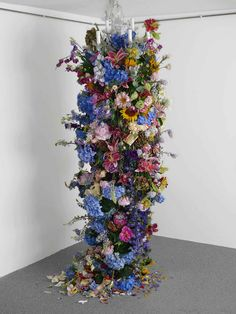 Floral Art by Rebecca Louise Law | http://www.yellowtrace.com.au/rebecca-louise-law-floral-installations/
