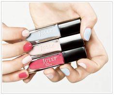 love this blog, it has lots of great nail art.
