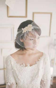 Vintage Veils only set to the side