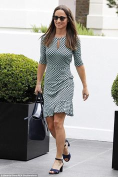d8bd8d6ec5b9 Pippa Middleton wearing Max Mara Needle II Sunglasses and Dune London  Imelda Suede Sandals in Navy
