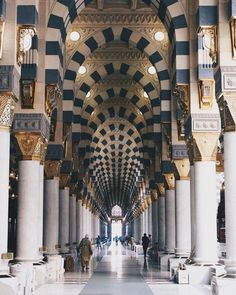 Mecca Madinah, Mecca Masjid, Masjid Al Haram, Mecca Wallpaper, Quran Wallpaper, Islamic Wallpaper, Mosque Architecture, Architecture Sketches, Medina Mosque