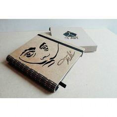 Dalí Clientes felices.  #diseñodiart #Bogotá #diseño #agendas #personalizados #cortelaser #madera #mdf #inspiración #dali #bocetos #bitacora #diseñoindependiente #Bogotá #apoyacolombiano #design #books #lasercut #inspiration #notebook #wood #workout #loveit  #work