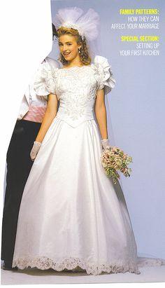 1980s Wedding Dress, Wedding Dress With Veil, Wedding Gowns, Vintage Weddings, Bridal Fashion, Veils, Dress Patterns, Bridal Dresses, Wedding Styles