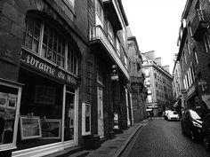 Antiquariate der Welt: Librairie du Môle in Becherele (Frankreich) | BuecherSammler