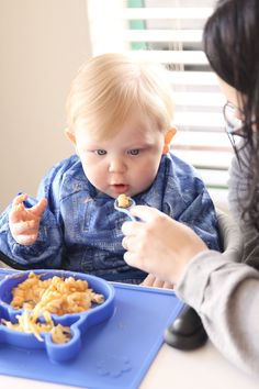 Grippo 2-in-1 Silicone Placemat and Plate in Blue Messy Play, Food Trays, How To Make Breakfast, Baby Led Weaning, Baby Safe, Baby Online, Happy Baby, Free Baby Stuff, Fine Motor Skills