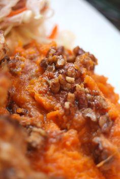 Paleo Sweet Potato Casserole with a cinnamon maple topping! #paleo #glutenfree #dairyfree #vegan