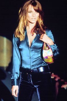 http://www.sweatertrends.com/category/gucci/ Kate Moss - 1995 - Tom Ford - Gucci                                                                                                                                                      More
