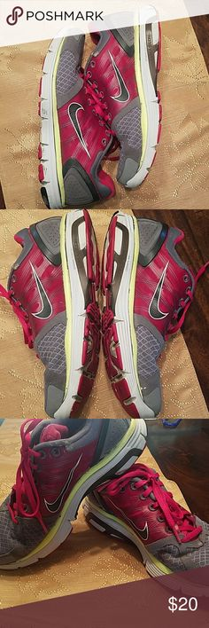 Nike lunarglides 2 Gently used Nike tennis shoes. Still great condition. Nike Shoes Athletic Shoes