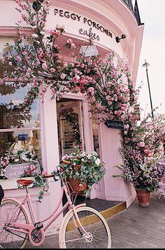 This cozy cake shop - CozyPlaces Aesthetic Collage, Flower Aesthetic, Aesthetic Photo, Aesthetic Pictures, Travel Aesthetic, Baby Pink Aesthetic, Aesthetic Women, Aesthetic Bedroom, Summer Aesthetic