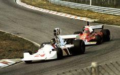 Holland 1975 Hunt sur Hesketh devant Lauda Ferrari 312B