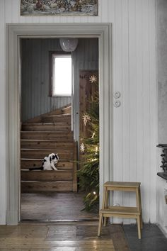 Cottage Style Homes, Country Style Homes, Country Life, Style At Home, Hall Deco, Swedish Cottage, Home Fashion, Country Decor, Interior And Exterior
