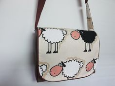 Messenger-Bag Black sheep von Dodo's auf DaWanda.com