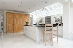 Light & Airy Classic Kitchen, Barnes, London