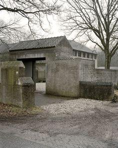 """weirdfishesblog: """" Jan de Jong, woonhuis met kantoor, Schaijk 1962-67 Photos © Kim Zwarts """""""