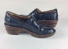 66a34d8c1cc BORN B O C Concepts Peggy Blue Womens Size 8.5 M Navy Blue Alligator  Pattern  fashion