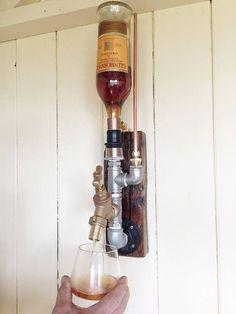 Montado en la pared del dispensador de Whisky