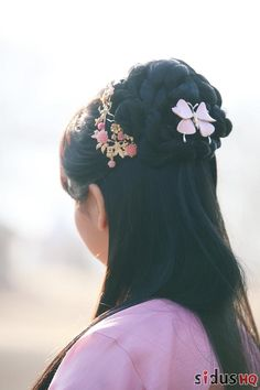 """Post with 299 views. Behind The Scenes drama """"Goblin"""" - Kim So Hyun Traditional Hairstyle, Korean Traditional Dress, Traditional Outfits, Softball Hair Braids, Side Braid Wedding, Korean Princess, Korean Accessories, Braided Hairstyles For Wedding, Prom Hairstyles"""
