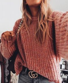 Lovely Look. 44 Sexy Fashion Trends That Look Fantastic – Latest Fall Outfits Collection. Lovely Look. Diy Outfits, Mode Outfits, Casual Outfits, Fashion Outfits, Womens Fashion, Fashion Trends, Sweater Outfits, Sweater Fashion, School Outfits