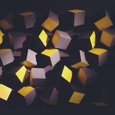 Esse é um close da tela Big Cubs, criada pelo designer Cícero Silva. Um toque incrível naquela sua parede vazia! :D #TokStok