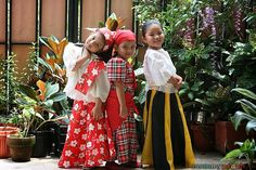 My Mom-Friday: Kid-Style: Best in Filipiniana 2014 Modern Filipiniana Dress, Filipiniana Wedding, Traditional Dresses For Kids, Traditional Outfits, Mom Dress, Dress Up, Filipino Wedding, Filipina Girls, Filipino Culture