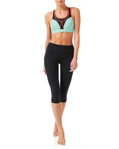 Providing a combination of compression and encapsulation, this best-selling run bra is designed for high-impact activities. For maximum support it features compression panels, a structured underband and comfortable padded shoulder straps. Mesh panels in high-sweat areas also offer ventilation and help to keep you dry. Wear it as a racerback or U-back.